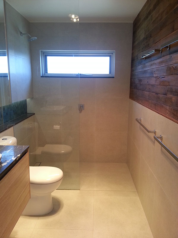 2016 mba award winning house bathroom hudson building for Award winning bathrooms